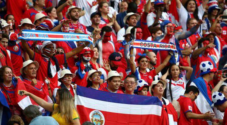 Os torcedores da Costa Rica na partida contra a Holanda.