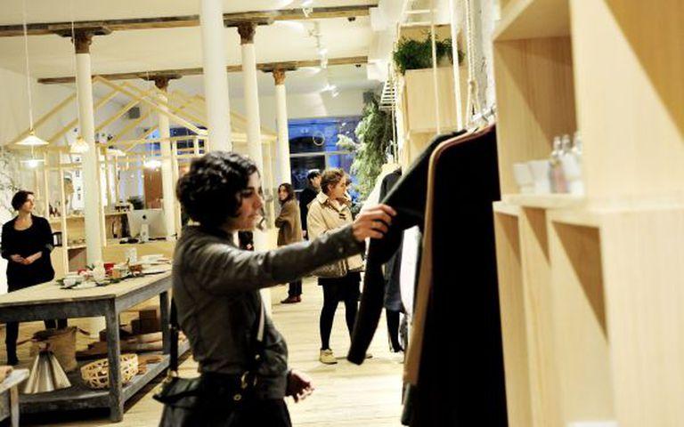 A amplitude de horários beneficia cidades como Madri no turismo de compra. Na foto, a loja Do, no bairro Salesas.