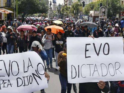 Marcha de estudantes contra o presidente boliviano