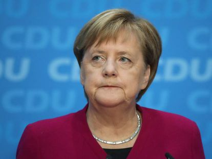 Merkel, nesta segunda-feira na coletiva de imprensa em Berlim na que anuncia sua decisão.