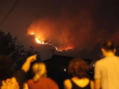 As chamas na área de de Valadares.