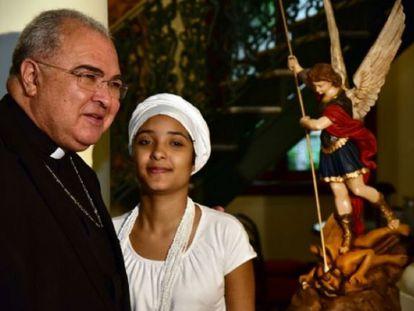 Arzobispo do Rio e a menina que levou pedrada no Rio.