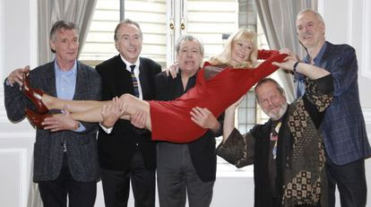 Os Monty Python na apresentação de seu retorno.