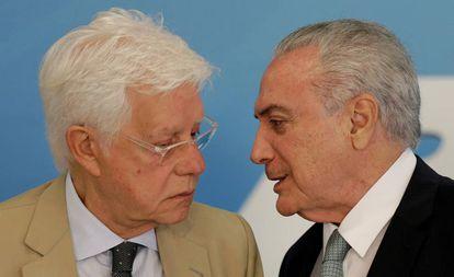 Moreira Franco e Temer em imagem de abril de 2018.