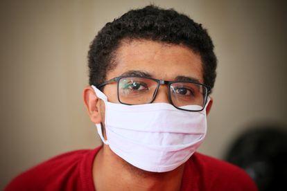 Wygner Oliveira, 26 anos e sem problemas de saúde, passou três dias na UTI com covid-19 em Goiânia.