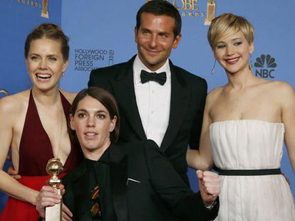 Os atores e a produtora de 'A grande fraude americana'.