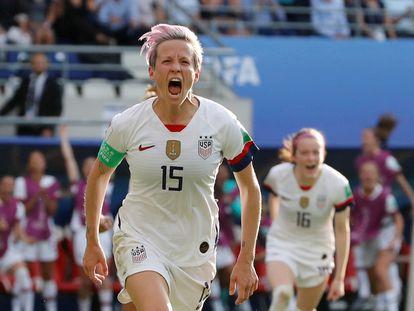 Megan Rapinoe comemora um gol na Copa do Mundo 2019, na França.