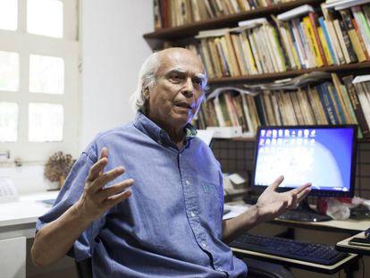 O historiador Alfredo da Mota Menezes.