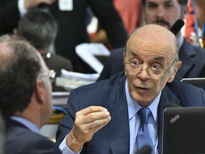 O senador José Serra participa de reunião da Comissão de Constituição, Justiça e Cidadania em março.