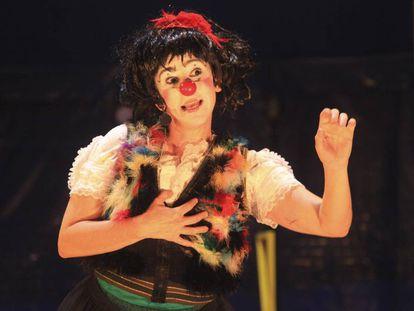 Paola Musatti dá vida à palhaça Manela
