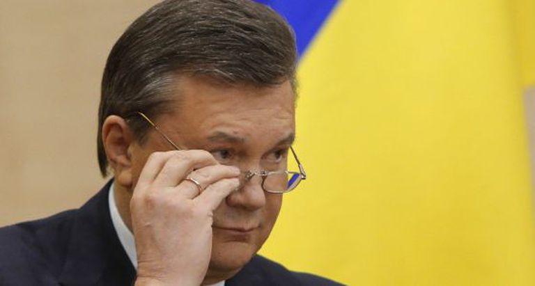 O presidente deposto, Víctor Yanukóvich, em uma entrevista coletiva.