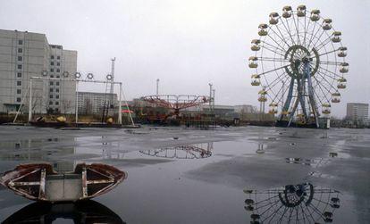 roda gigante abandonada (e nunca usada) de Pripiat é o grande símbolo do desastre de Chernobyl, que em 1986 esvaziou uma cidade inteira.