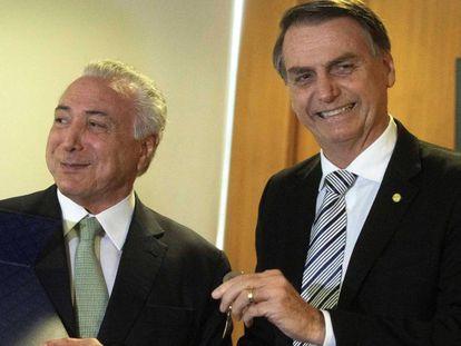 O presidente Michel Temer e o presidente eleito Jair Bolsonaro em Brasília.