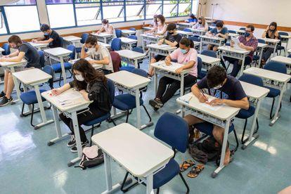 Estudantes participam da primeira fase do vestibular da Fuvest, em 10 de janeiro, no campus da USP, zona oeste de São Paulo.