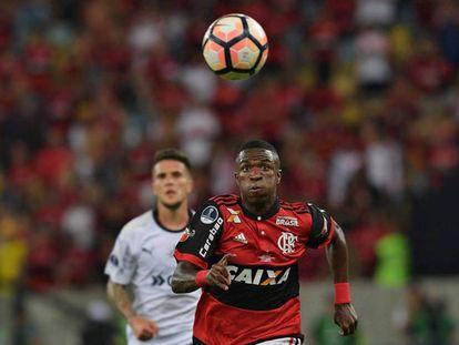 Vinicius Junior em ação na final da Copa Sul-americana.