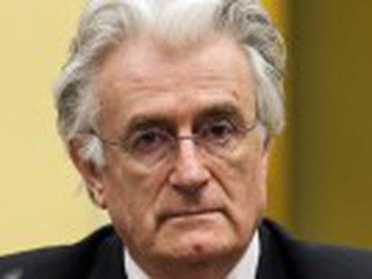 Tribunal especial de Haia considera que o ex-líder servo-bósnio foi responsável também pelo cerco a Sarajevo entre 1992 e 1996