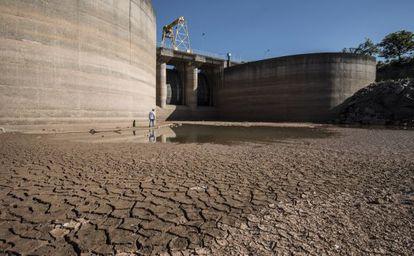 Represa de Jaguari, do Sistema Canteira, que está com 15,3% do volume de água.