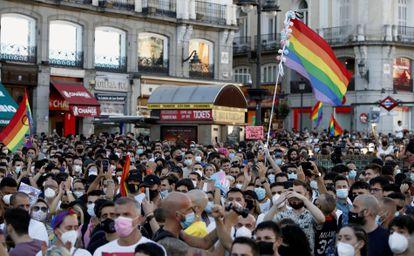 Manifestação na segunda-feira na Puerta del Sol, em Madri, contra a brutal agressão sofrida por Samuel Luiz, jovem gay, de 24 anos, que foi espancado até a morte.