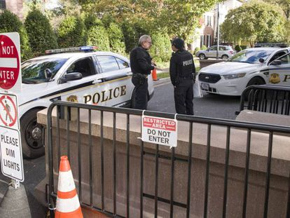 Policiais em frente à casa do ex-presidente Barack Obama, Washington