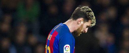Messi, cabisbaixo, no domingo passado, em Anoeta.