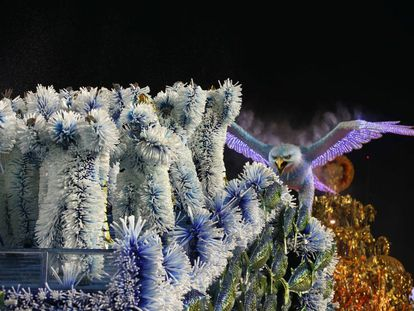 A Portela, uma das escolas de samba mais tradicionais do Rio de Janeiro, foi consagrada a campeã do Carnaval 2017 nesta quarta-feira, ao garantir 269,9 pontos dos 270 possíveis. A escola conquistou o primeiro lugar pela 22ª vez em sua história, com um desfile que narrou as lendas dos rios. A Mocidade ficou com o segundo lugar (com 269,8 pontos) e a Salgueiro ficou com a terceira colocação (com 269,7 pontos).