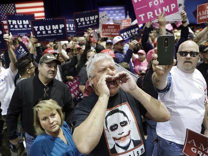 Seguidores de Donald Trump em Reno. JOHN LOCHER AP