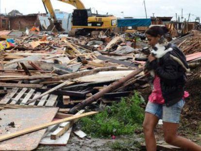 Terreno desocupado no leste de São Paulo.