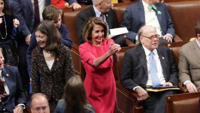 Nancy Pelosi ao chegar à primeira sessão anual do Congresso dos EUA, nesta quinta-feira em Washington.