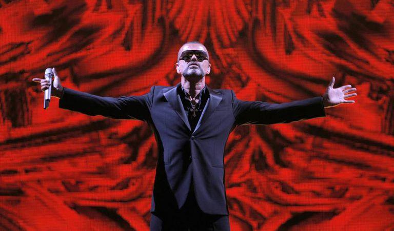 George Michael em um show em Paris, em 2012.