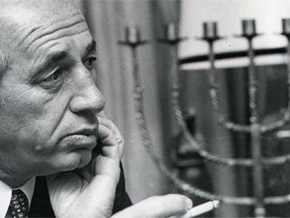 Shimon Peres durante uma entrevista em Madri, em 1988.