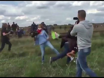 Rasteira de jornalista húngara deixa imprensa de seu país escandalizada
