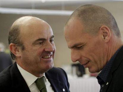 O ministro de Economia espanhol e o ministro grego de Finanças.
