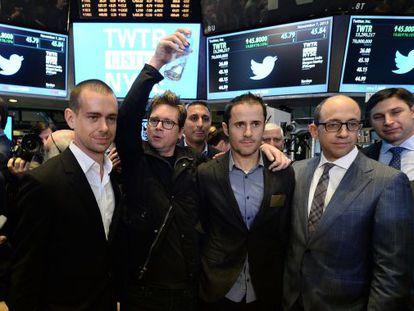 Da esquerda a direita: Jack Dorsey, 'Biz' Stone, Evan Williams e 'Dick' Costolo em Wall Street em 7 de novembro de 2013.