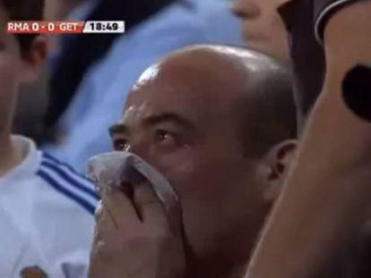 Homem teve seu nariz quebrado por um chute de Cristiano Ronaldo, em 2011.