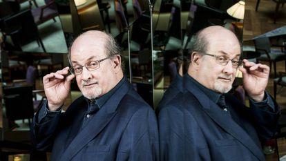 O romancista anglo-indiano Salman Rushdie.