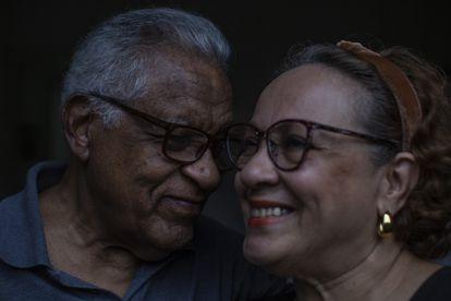 """Raúl e sua esposa, Elvira, moram em São Paulo agora: """"Me sinto um paulistano de coração""""."""