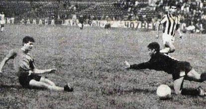 Pipo Rodríguez marcou o gol da vitória de El Salvador.