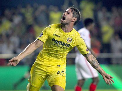 Pato celebra um gol pelo Villarreal em agosto.