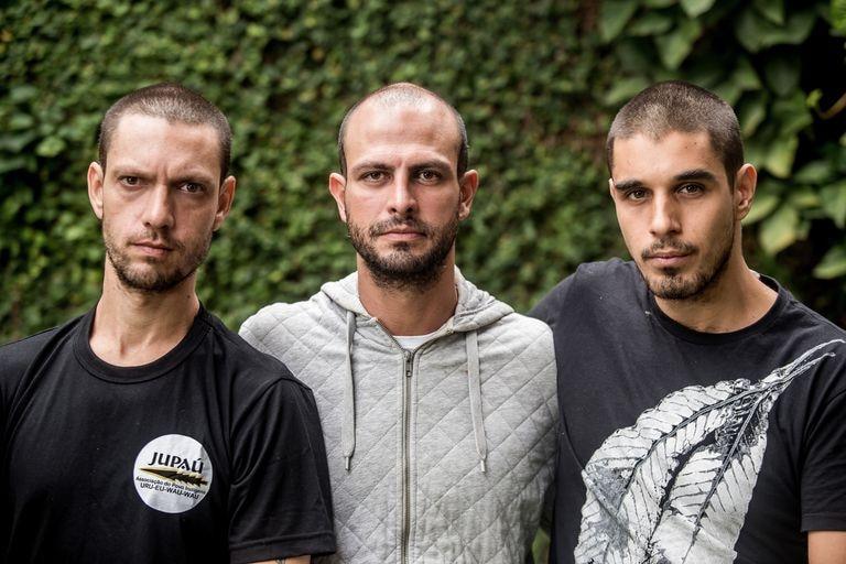 Da esquerda para a direita, Daniel Govino, Marcelo Aron Cwerner e João Romano, da Brigada de Alter do Chão.