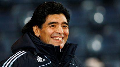 Diego Armando Maradona quando foi técnico da Argentina, em uma partida contra a Escócia em Glasgow, em novembro de 2008.