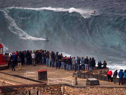 As ondas gigantes voltam a Nazaré