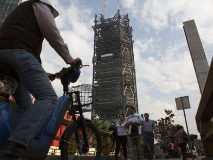 Uma obra em construção na Cidade do México.