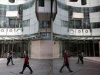 A entrada principal da sede da BBC, em Londres.