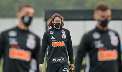 No Corinthians, 23 jogadores pegaram coronavírus, entre eles o goleiro Cássio.