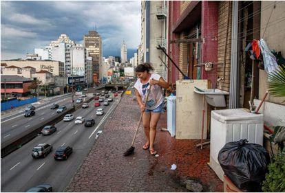 Moradora da ocupação Prestes Maia, no centro de São Paulo, em 2016
