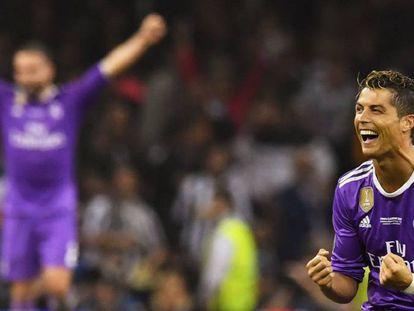 Cristiano Ronaldo comemora um dos seus dois gols sobre a Juventus.