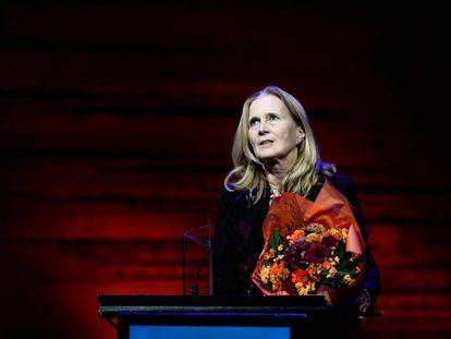 A acadêmica sueca Katarina Frostenson, ao receber um prêmio literário em Copenhague, em 2016.