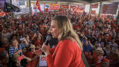 Marília Arraes, derrotada no segundo turno em Recife, durante a campanha