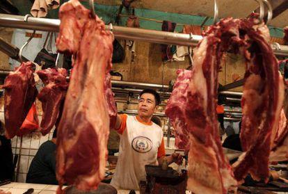Um açougue chinês com carne importada do Brasil.