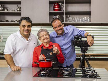 A cozinheira Palmirinha, que tem um curso online no portal Eduk.